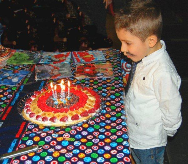 L'emozione di festeggiare i 6 anni con tutti gli amici