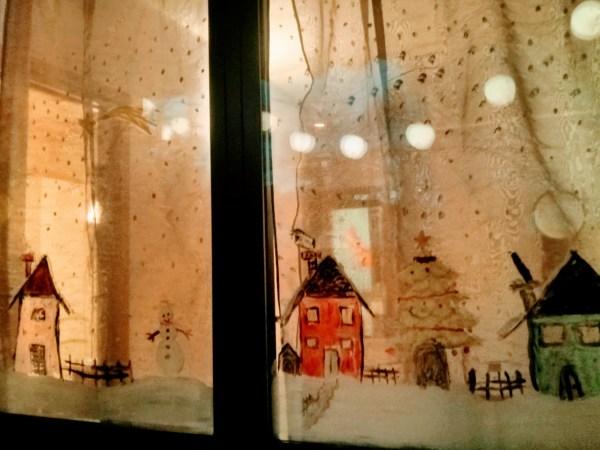 dipingere i vetri delle finestre