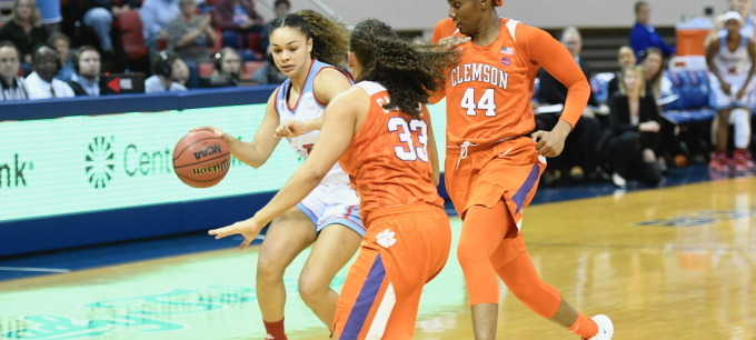Lady Techsters fall to Clemson in defensive battle