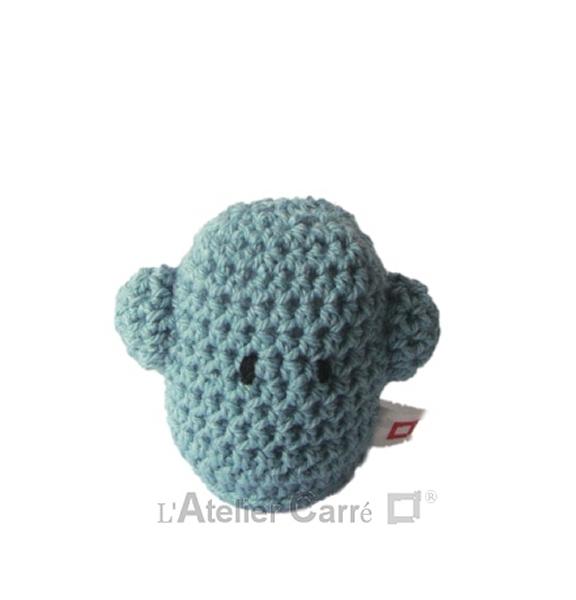 personnage rigolo au crochet rembourré mousse bleu clair
