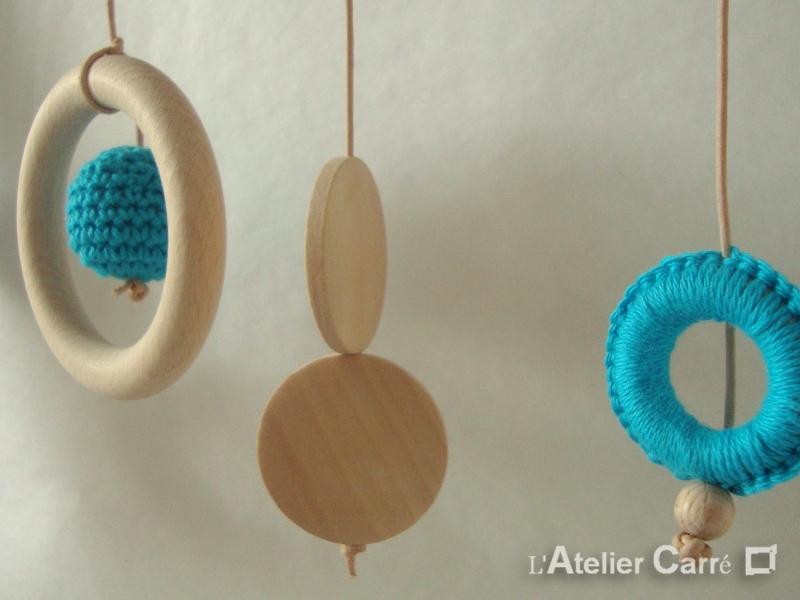 Portique d'éveil bébé en bois et crochet blanc