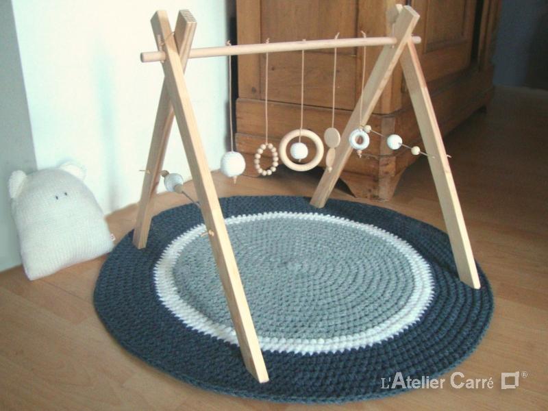 portique-d-eveil-bebe-bois-crochet-personnalisable-blanc-2