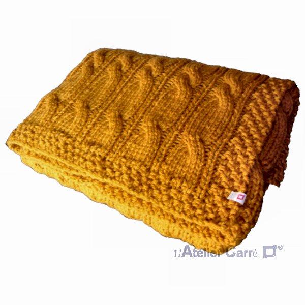 grand plaid épais en tricot torsadé coloris moutarde