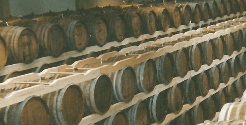 les tins exposition cave chai stockage 2 - Les berces de tonneaux de l'Atelier du tin