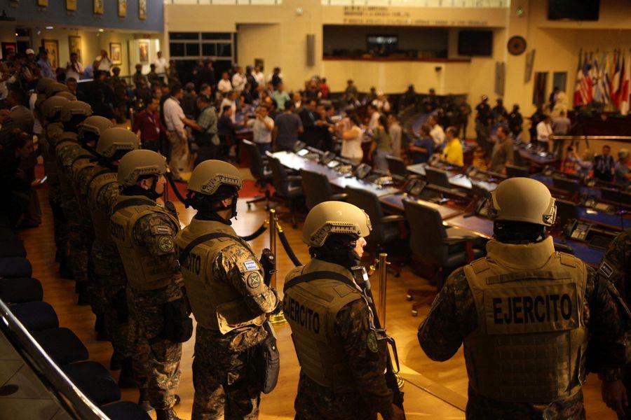 El Salvador ya no recibirá ayuda de Estados Unidos para el área militar