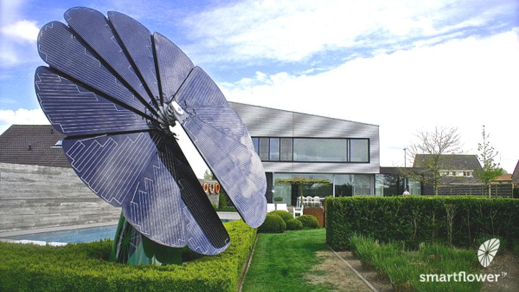 voici smartflower le panneau solaire intelligent qui va r volutionner les nergies. Black Bedroom Furniture Sets. Home Design Ideas