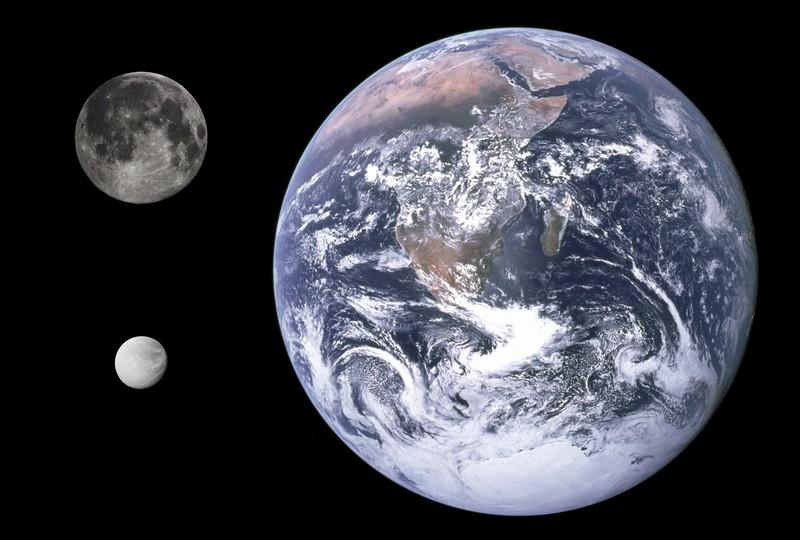 comparaison-terre-lune-dione