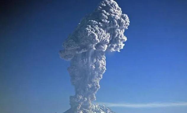 volcan-shiveluch-kamchatka