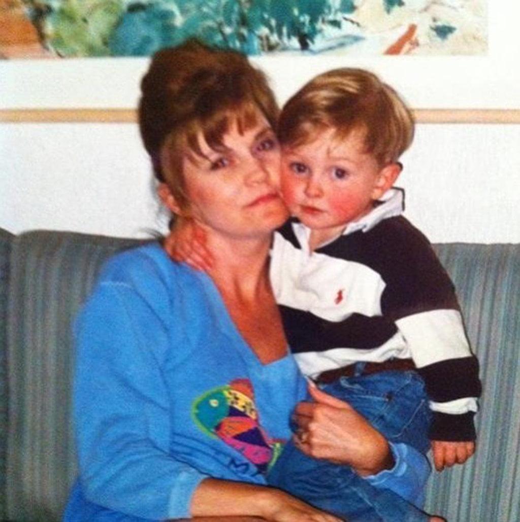 Luke Falk Age, Net worth, Wife, Wikipedia, Birthday, Bio, Family, Mom  Analee Falk Missing in Utah update