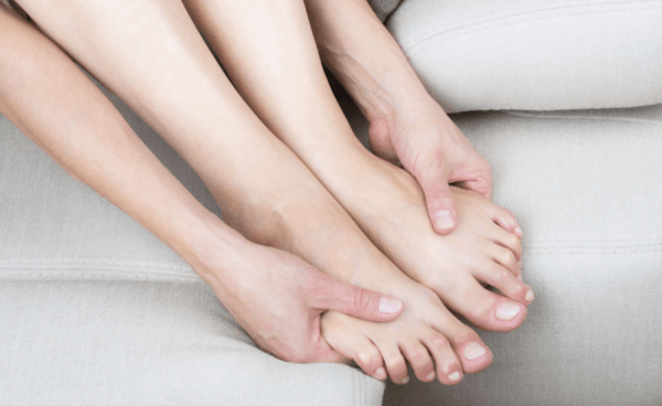 Moisturize & massage feet of the skin