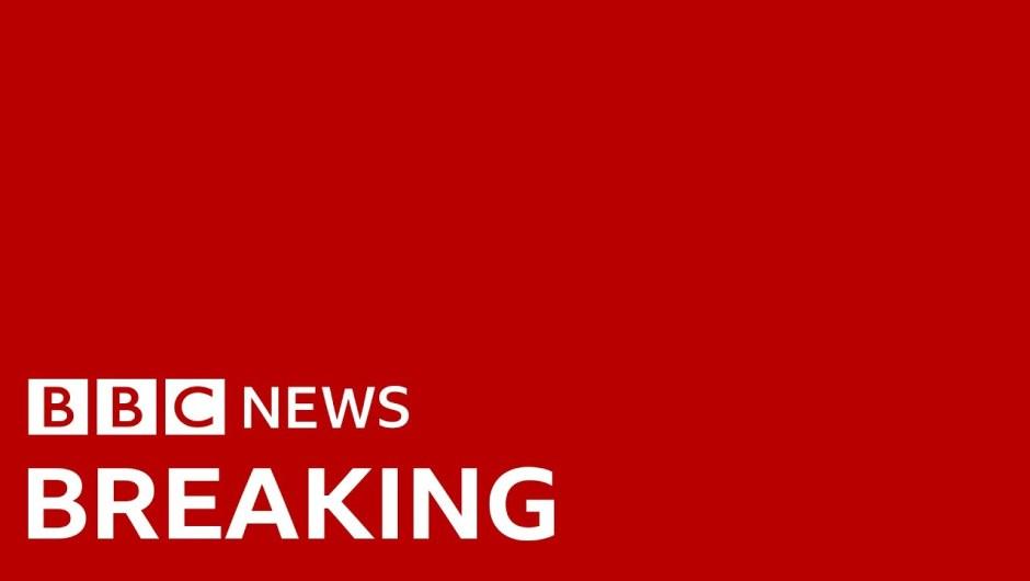 Coronavirus: UK death toll passes 100 – BBC News
