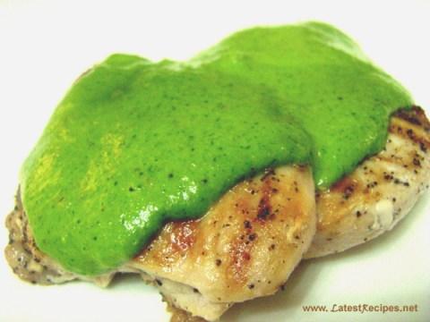 grilled_chicken_with_spinach_pesto