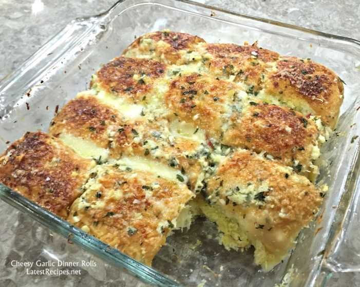 Cheesy Garlic Dinner Rolls