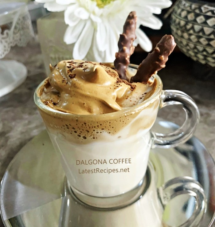DALGONA Coffee (Whipped Coffee)