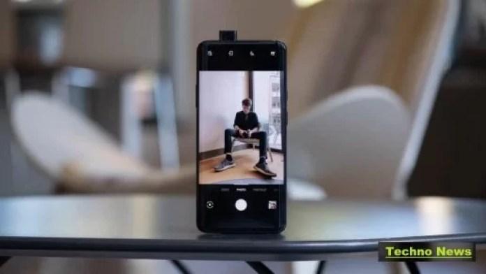 OnePlus-7-Pro-selfie-open-on-table
