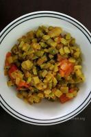 A bowl of peerkangai poriyal.
