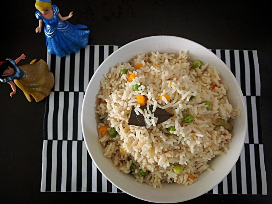 Bowl of vegetable pulao.