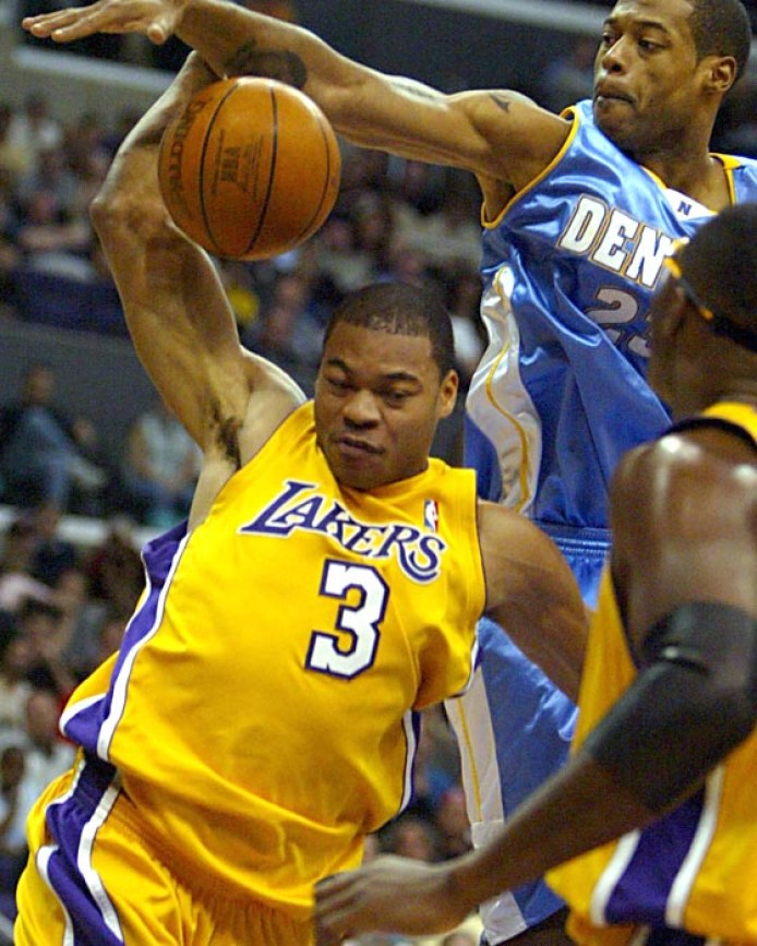 https://i1.wp.com/www.latimes.com/includes/projects/img/lakers/bio_photos/devean_george.jpg?resize=694%2C867