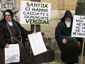 suore-incatenate-vaticano-7635rdd44
