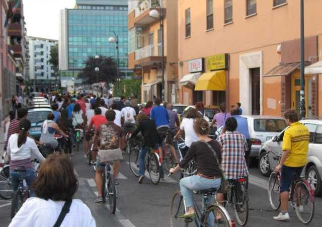 biciclette-latina-ciclabile-piazza-raduno-48714876222