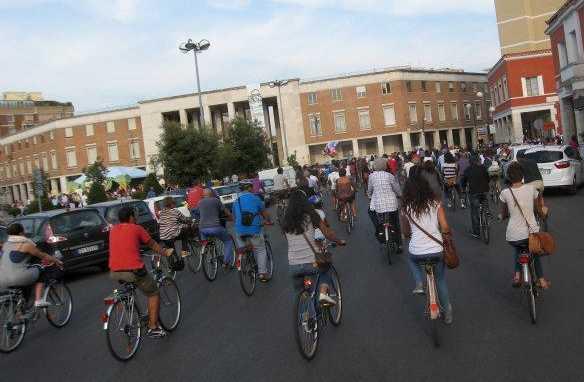 biciclette-latina-piazza-popolo-4768252634454