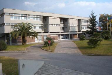 scuola-media-volta-latina-57868373