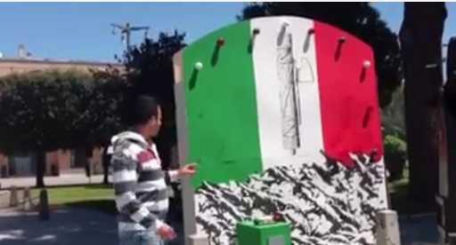 fascismo-sabaudia-mussolini-tricolore-57862345