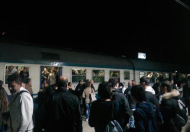 treno-fermo-pomezia-789276525
