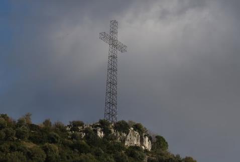 croce-sezze-latina24ore-5789822