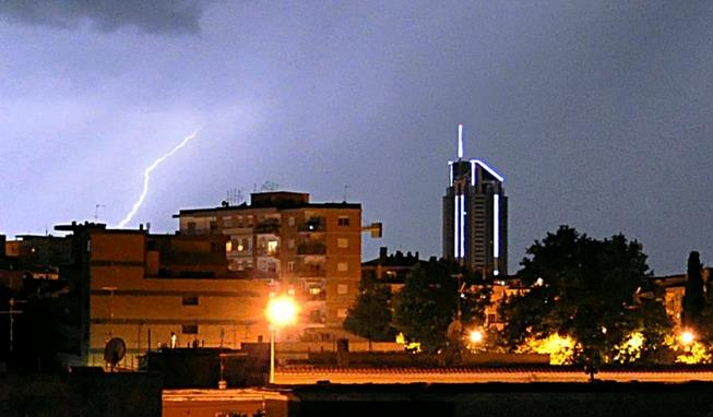 maltempo-fulmine-latina-24ore-torre-569852