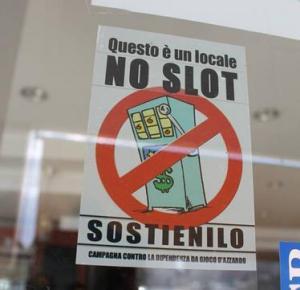 bar-locale-no-slot-latina-24ore