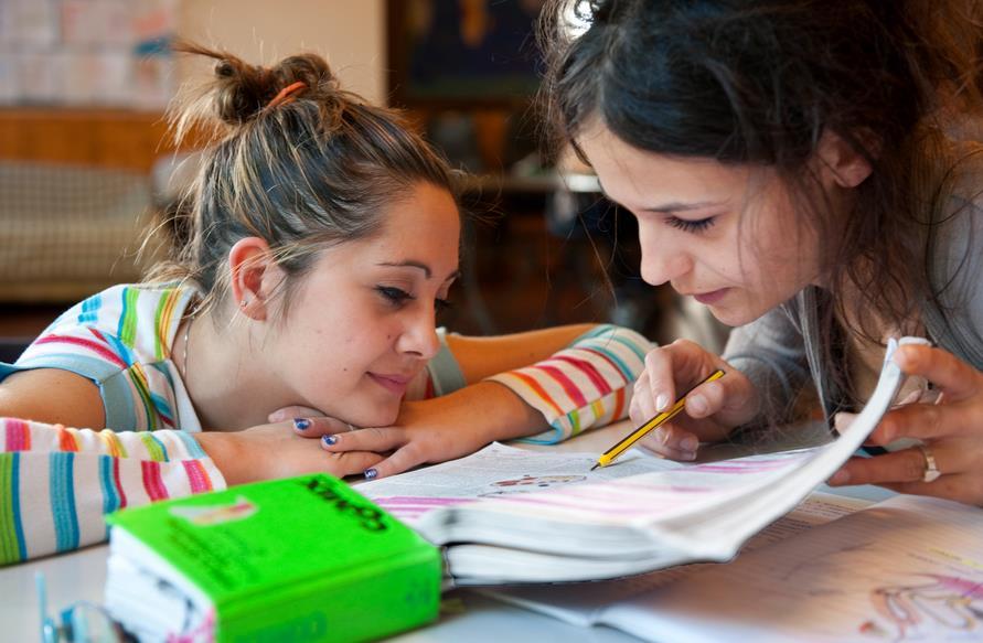 scuola-ragazze-alunne-latina-24ore