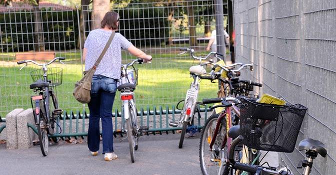 biciclette-rastrelliera-latina-bici
