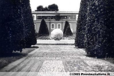 latina-piazza-popolo-1985