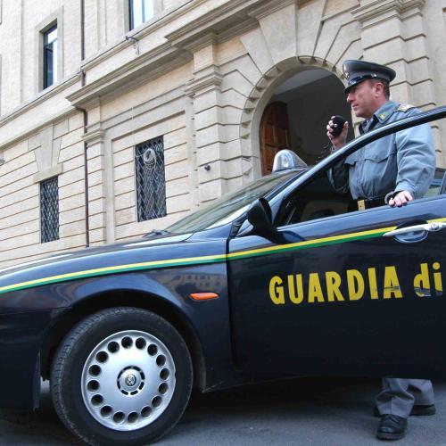 guardia-finanza-auto-2015