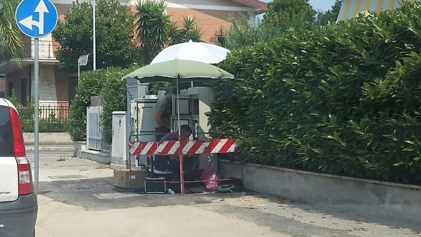 operai-ombrellone-latina-lavori