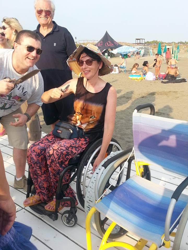 inaugurazione-passerella-disabili-M5S-latina-lido-2015-9