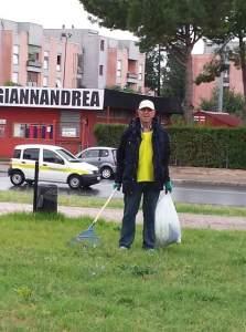pulizia-parco-europa-latina-volontari-2015