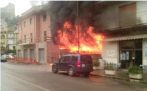incendio-deposito-itri-2