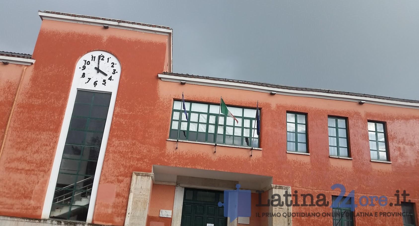 piazza-dante-pioggia-latina-scuola