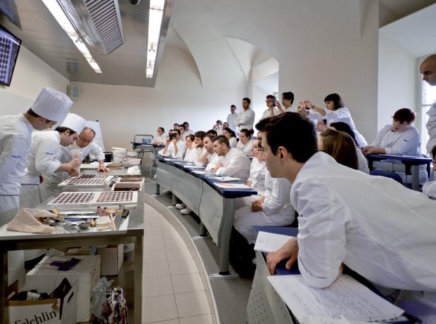 chef-studenti-scuola-cucina