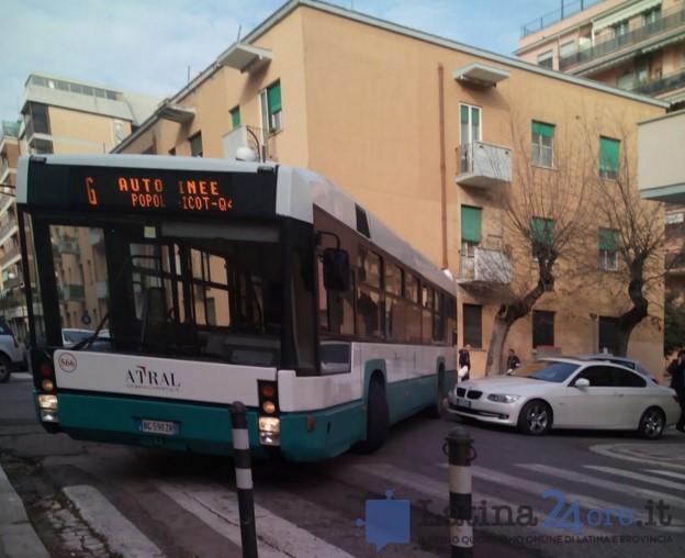 autobus-bloccato-latina-1