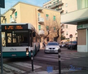 autobus-bloccato-latina-2