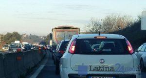 traffico-auto-code-pontina-2016