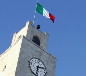 latina-torre-comune-orologio-2016