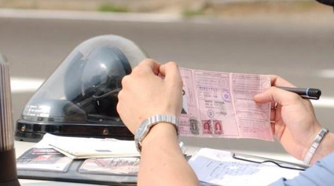 polizia-controllo-patente