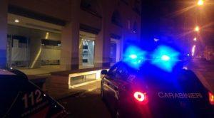 carabinieri-latina-via-milazzo-auto