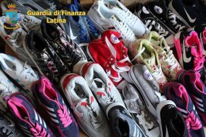 sequestro-scarpe-contraffatte