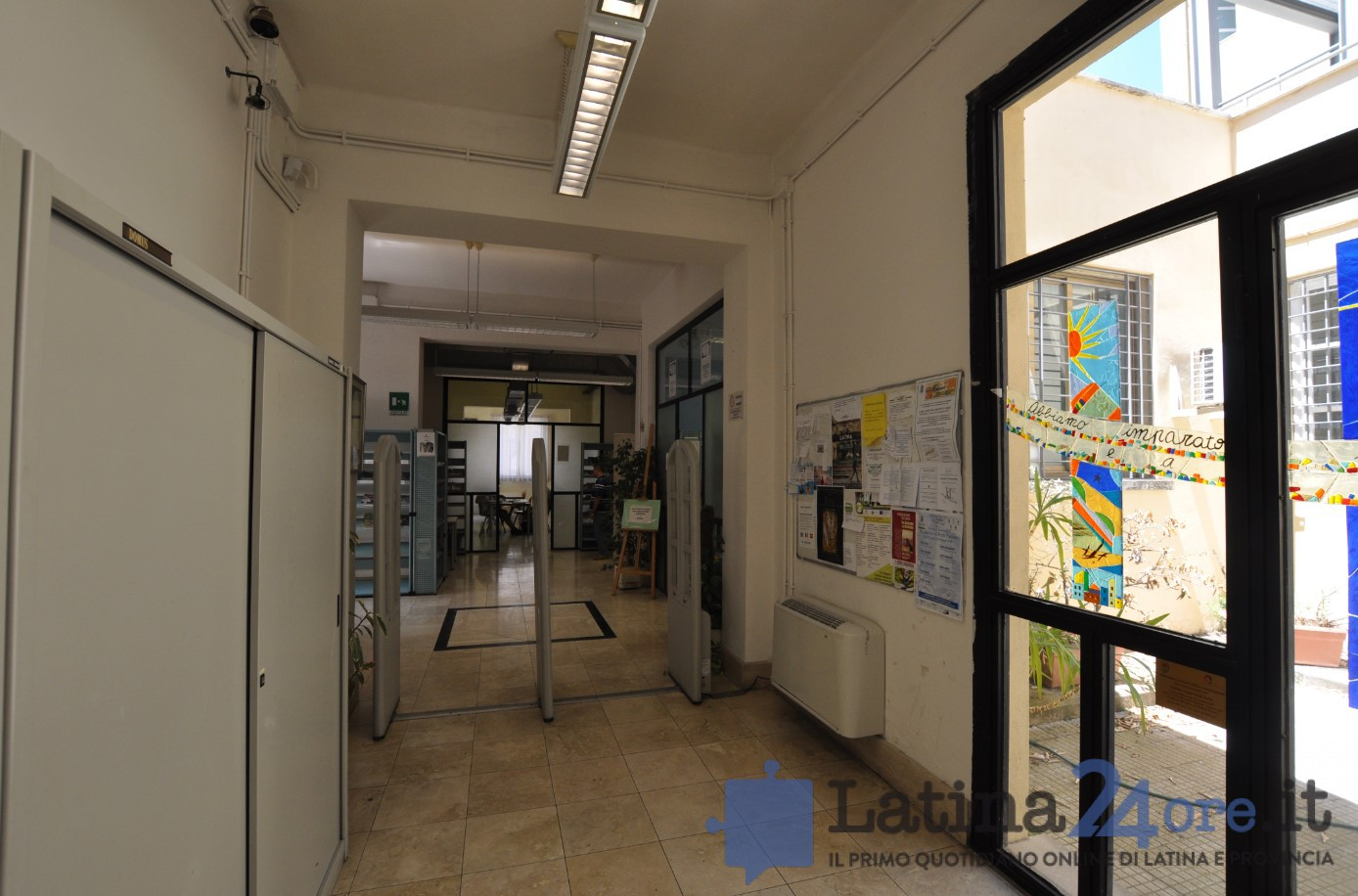 biblioteca-latina-ingresso-2016