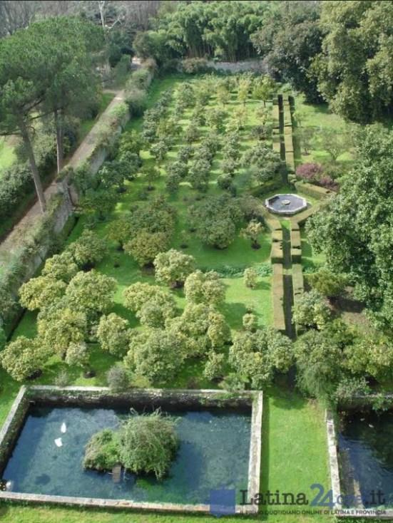 giardino-ninfa-panoramica